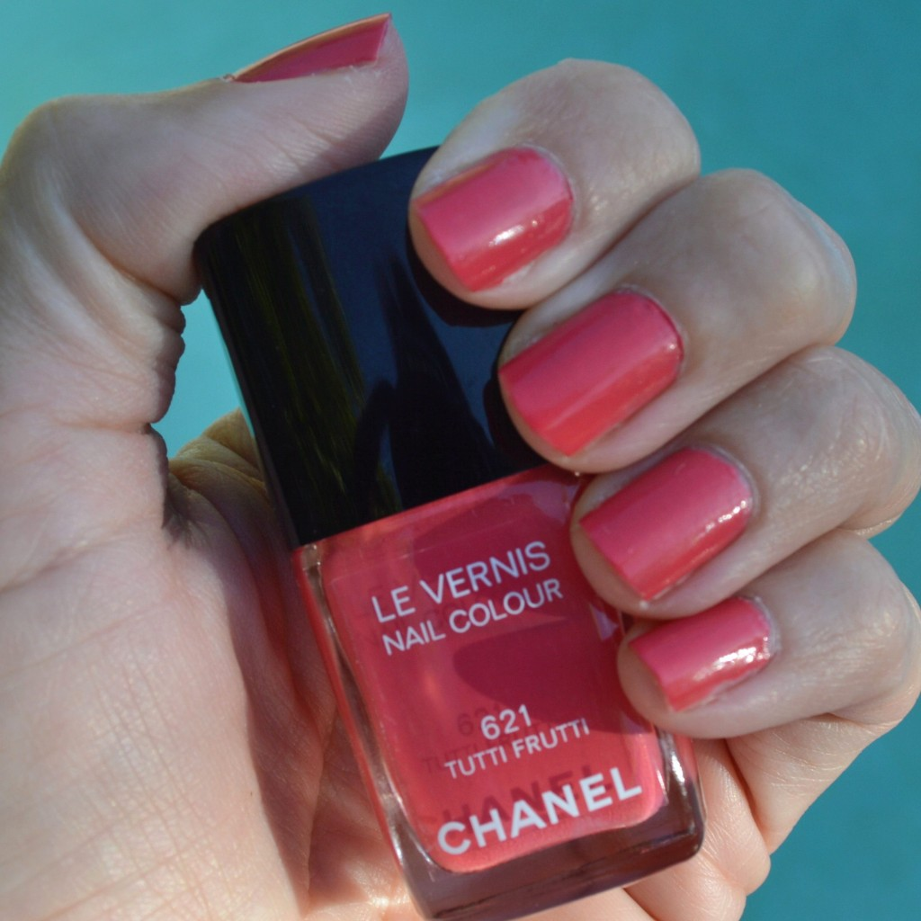 Tutti Frutti Nails: Chanel Tutti Frutti Nail Polish For Summer 2014 Review