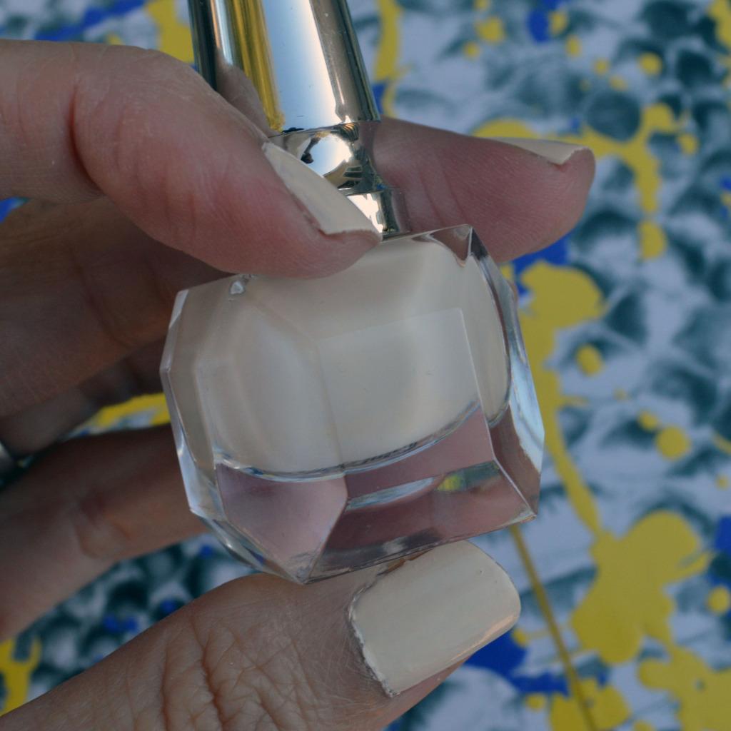 christian louboutin salonu nail polish