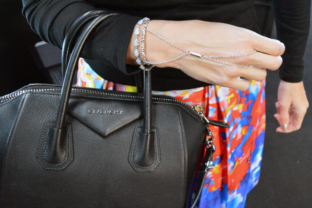 nyfw  street style handbag jewelry