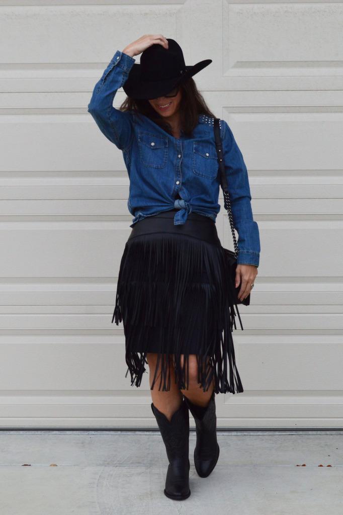 bcbg fringe skirt spring fringe trend