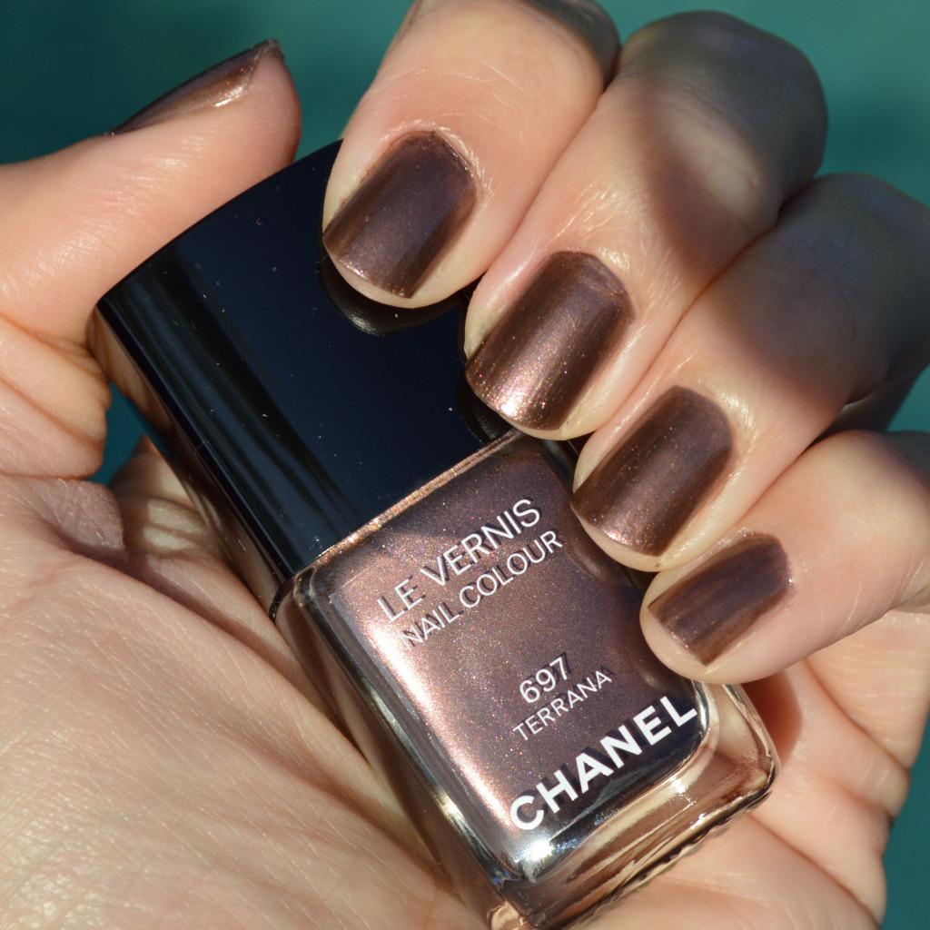 chanel terrana summer 2015 nail polish