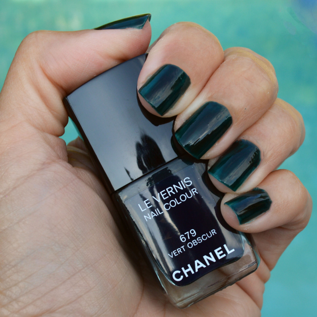 chanel vert obscur nail polish fall 2015 review