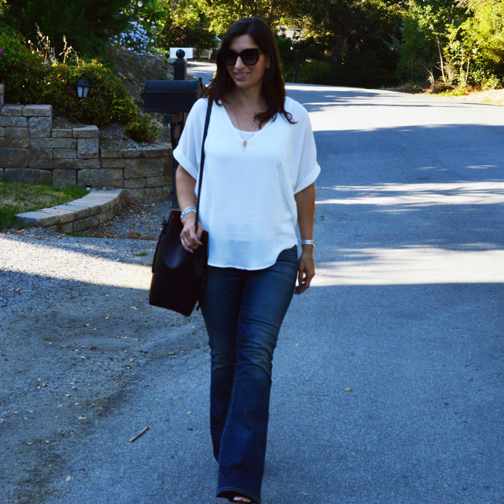 flare jeans summer casual outfit idea