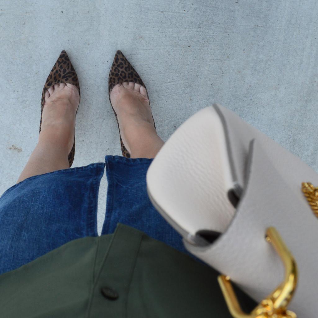 manolo blahnik leopard print pumps outfit idea style blogger fashion