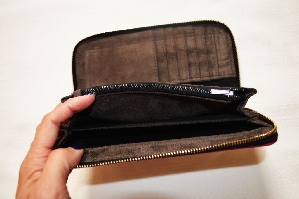 jill milan vegan wallet clutch interior view