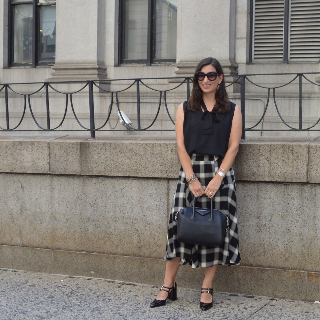 plaid skirt for fall outfit idea
