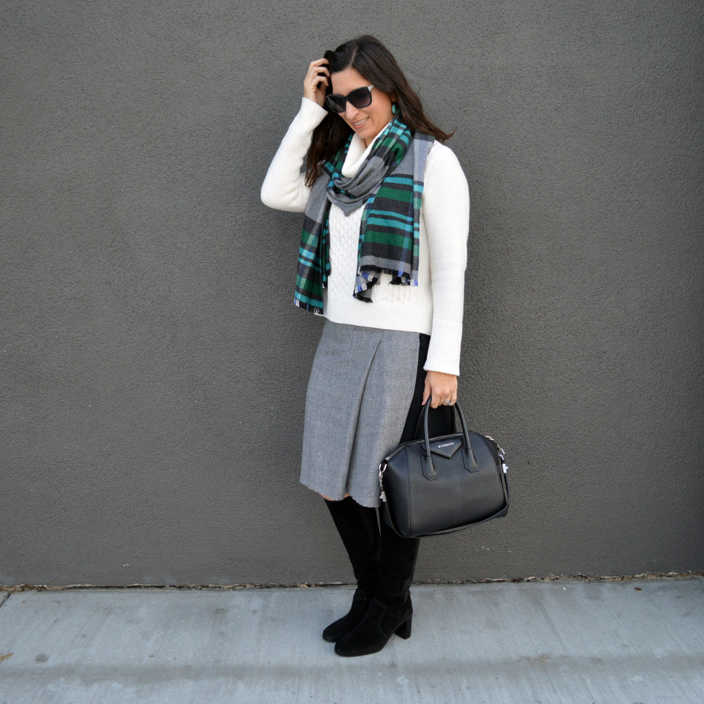 Turtleneck sweater with boots