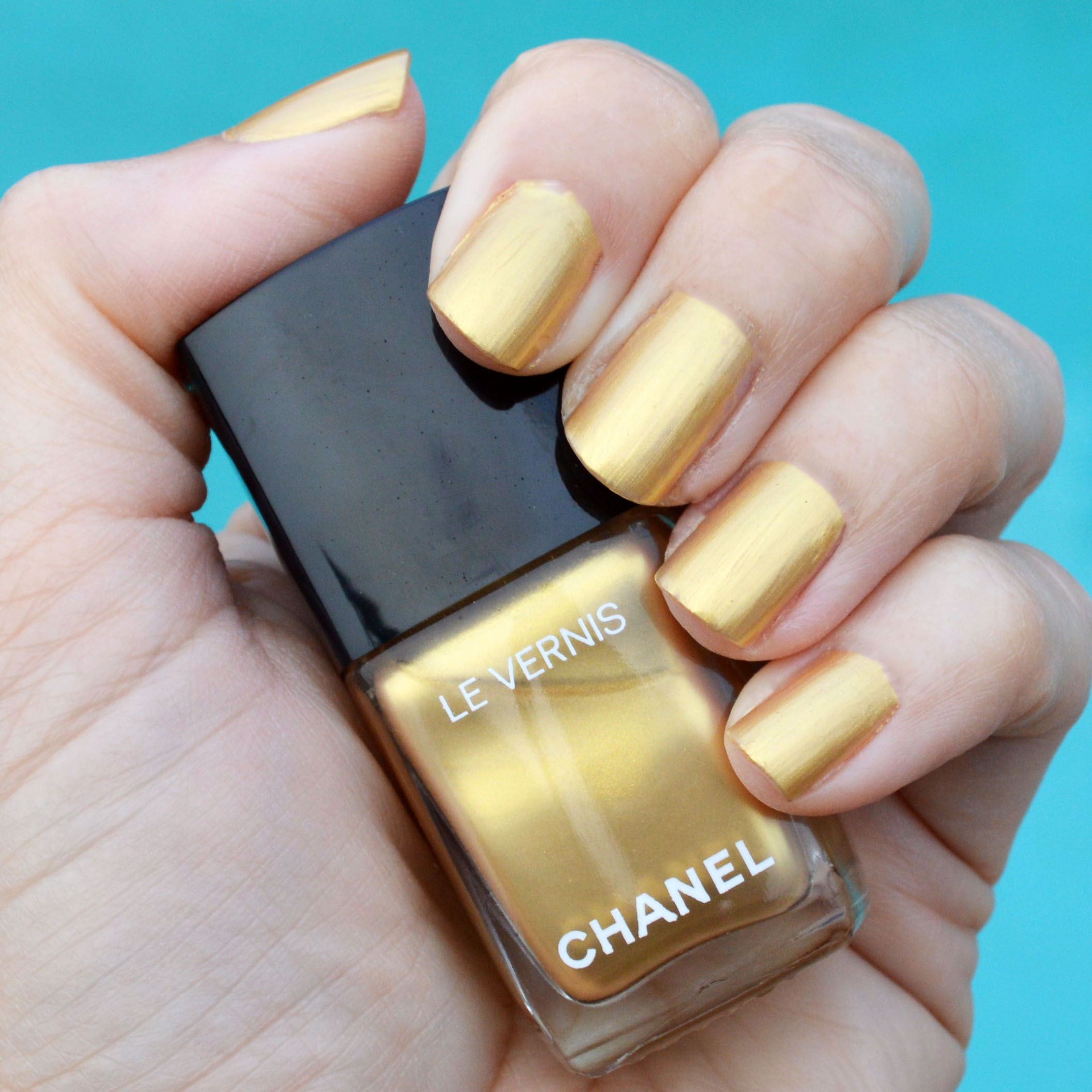 Chanel Chaine Or nail polish review | Bay Area Fashionista