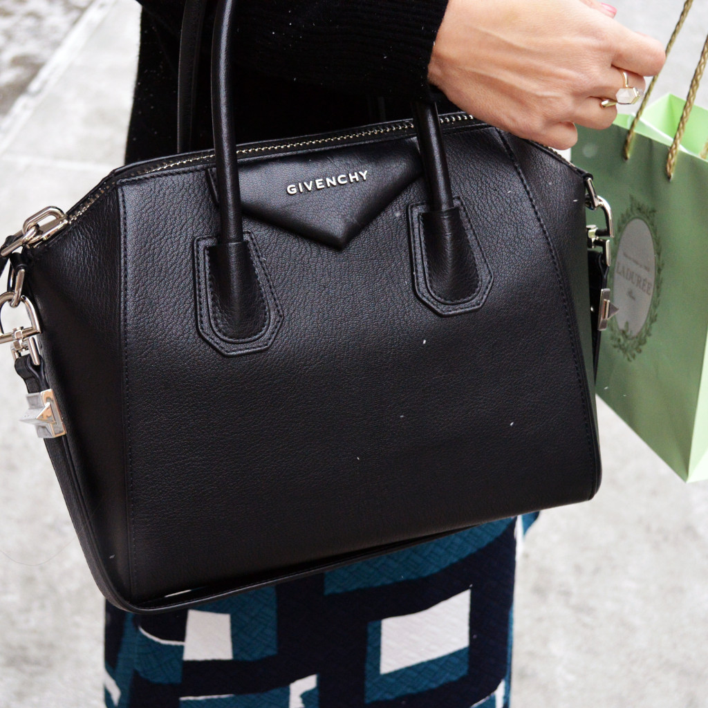givenchy antigona on the street at nyfw