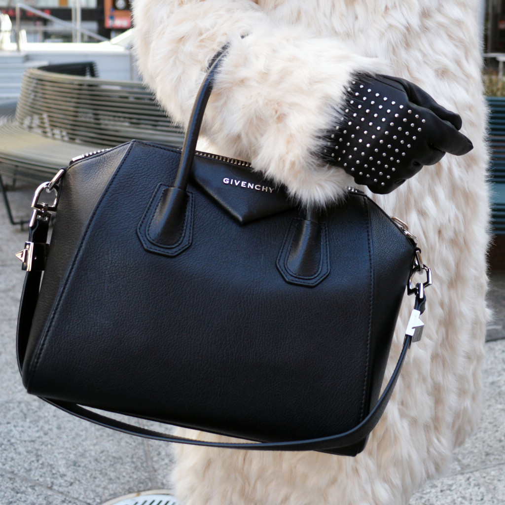 new york fashion week street style handbags