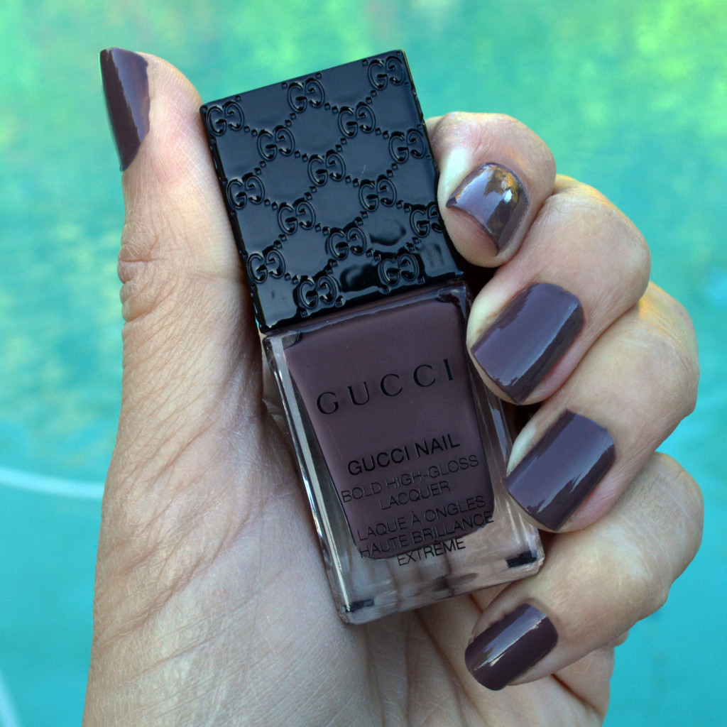 gucci dark anemone nail polish fo spring and summer 2016