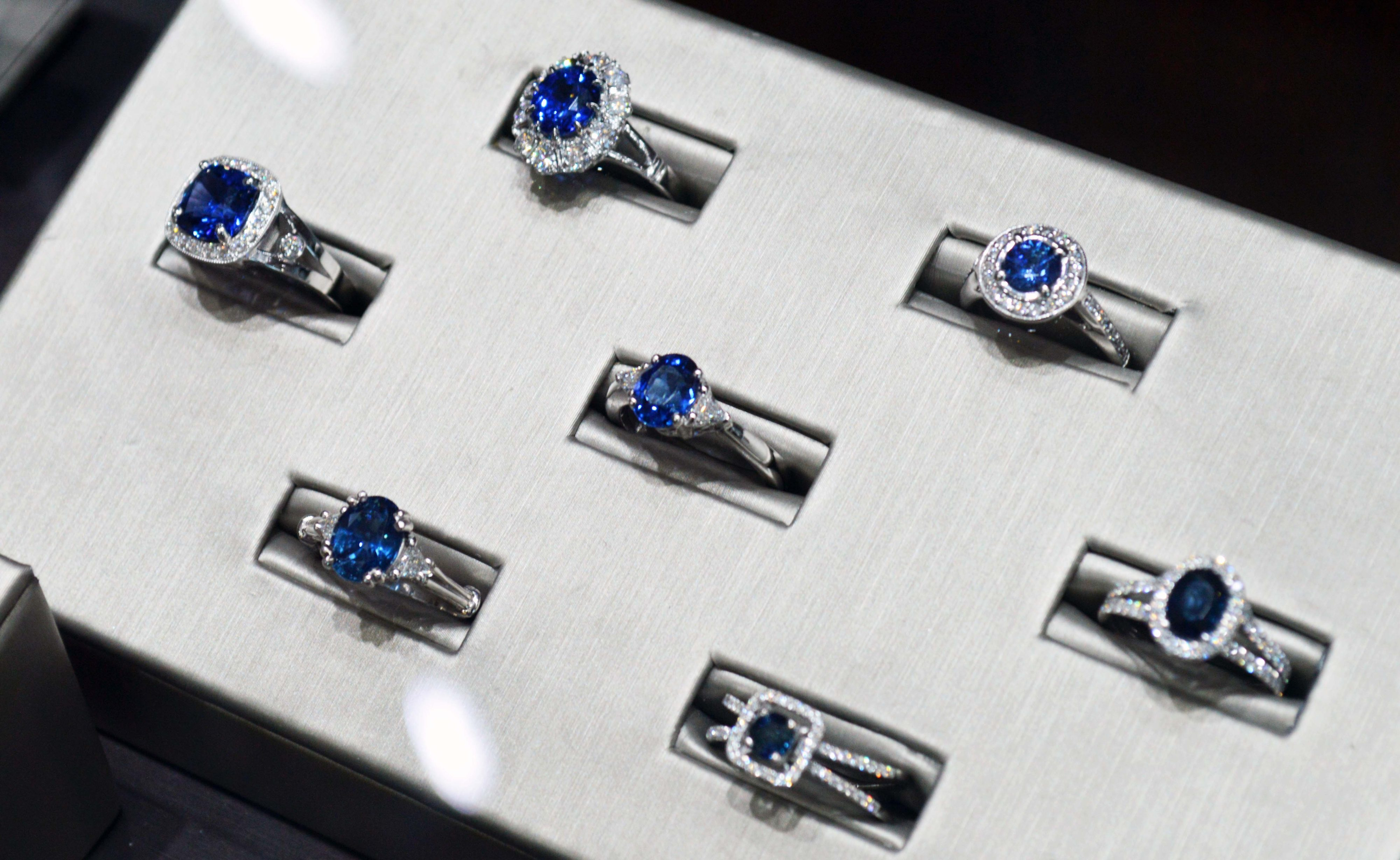 rings at vardys jewelers