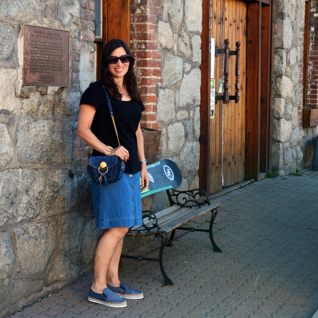what to wear to dinner in historic downtown truckee