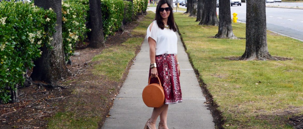 how to style a circle bag