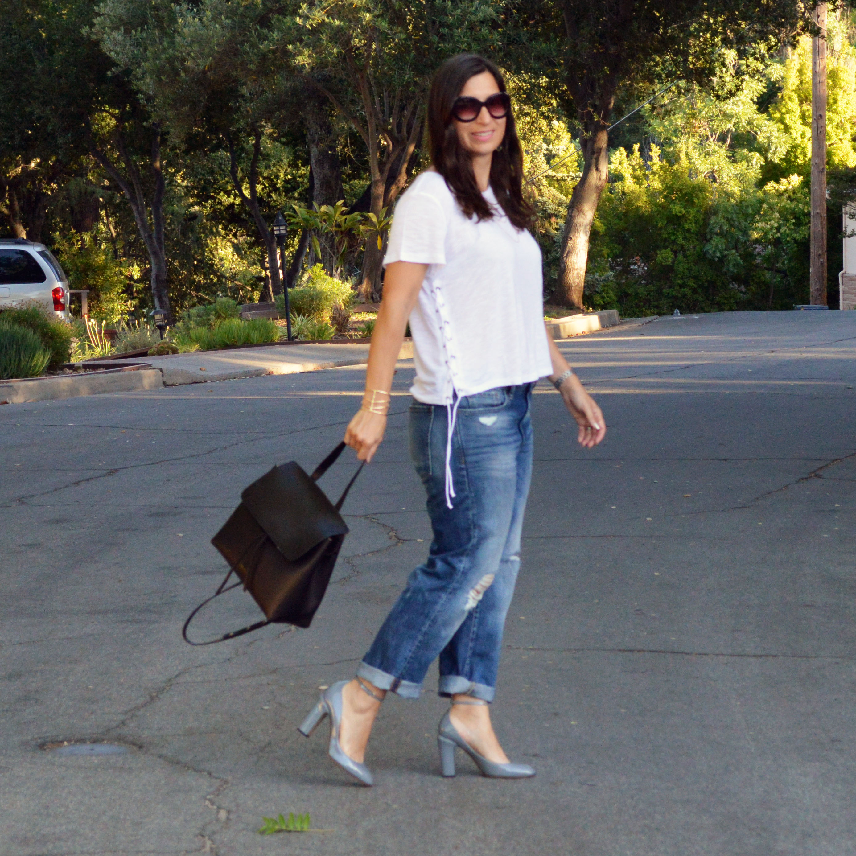 boyfriend jeans outfit for any season