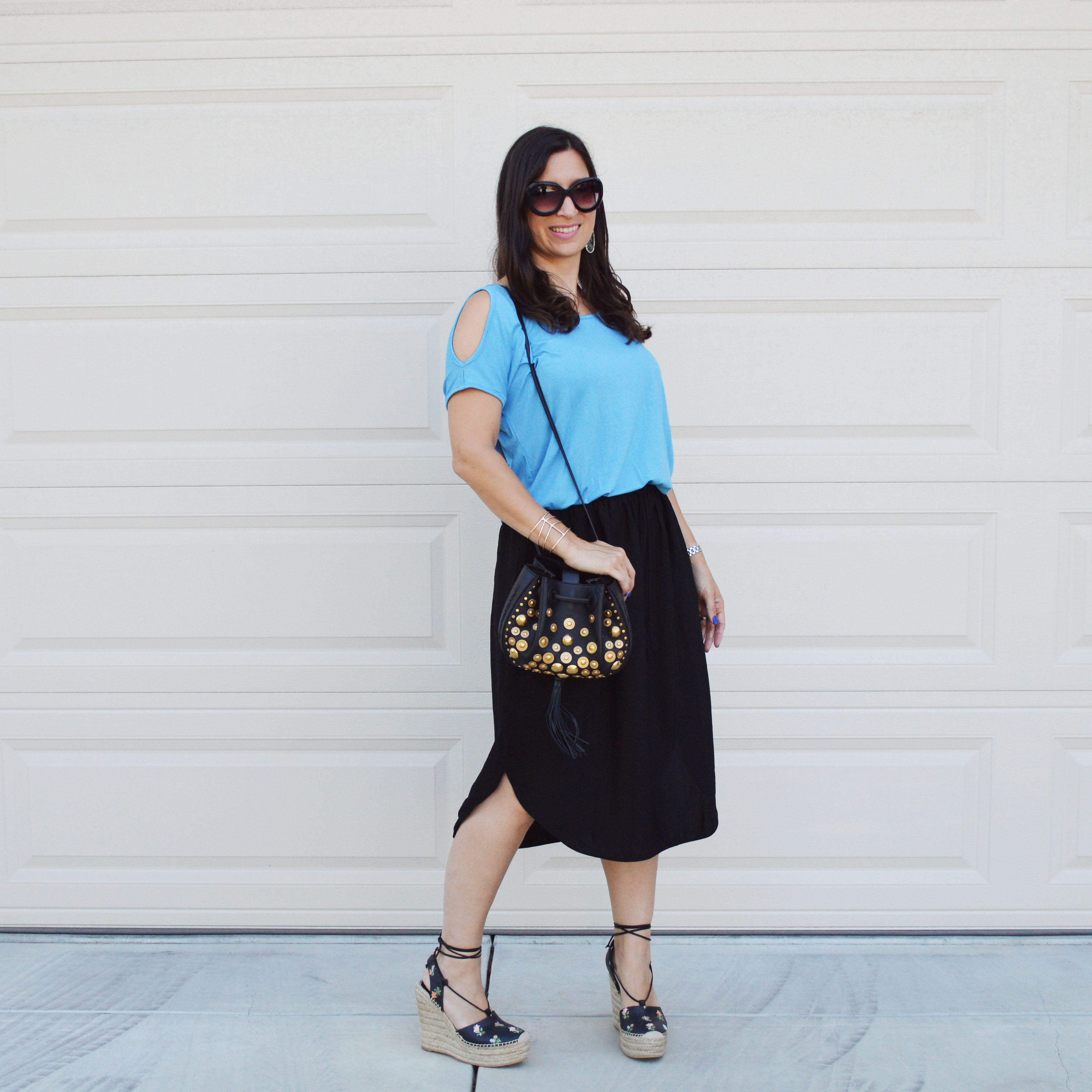 cold shoulder tee outfit idea
