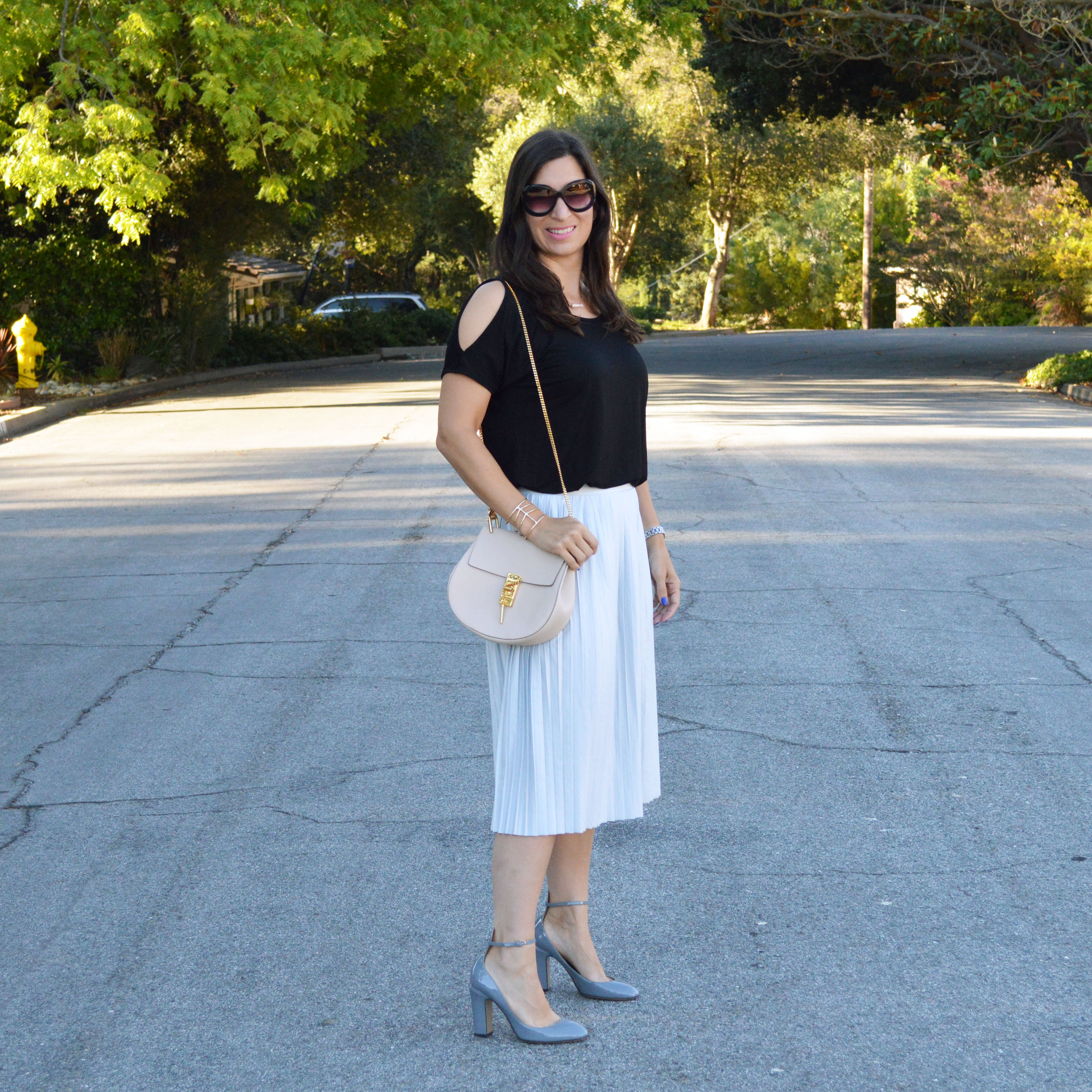 how to wear a topshop pleated skirt