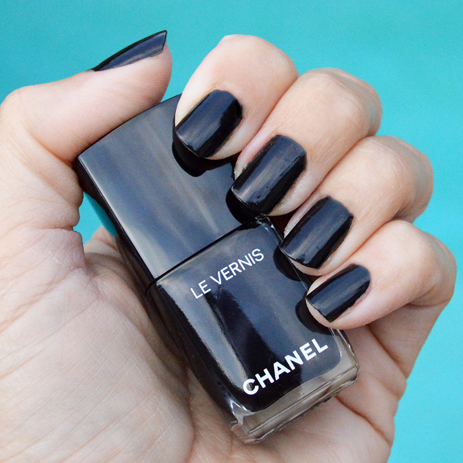 Chanel Gris Obscur nail polish fall 2016 | Bay Area Fashionista