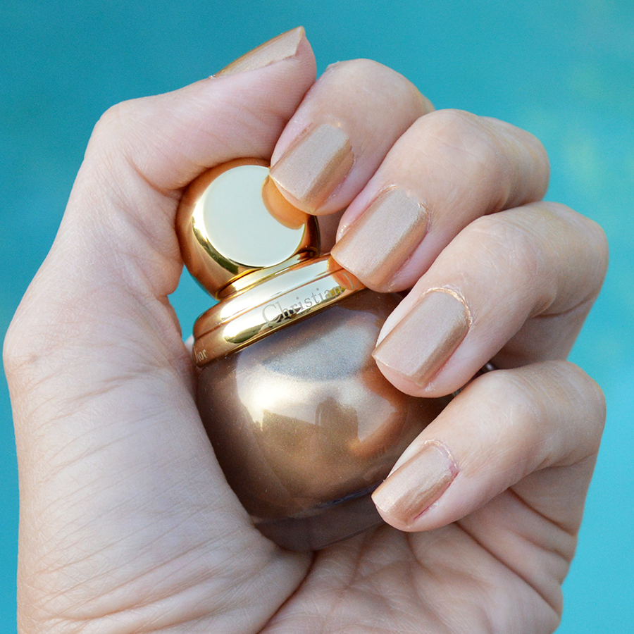 diorific golden nail polish holidays 2016