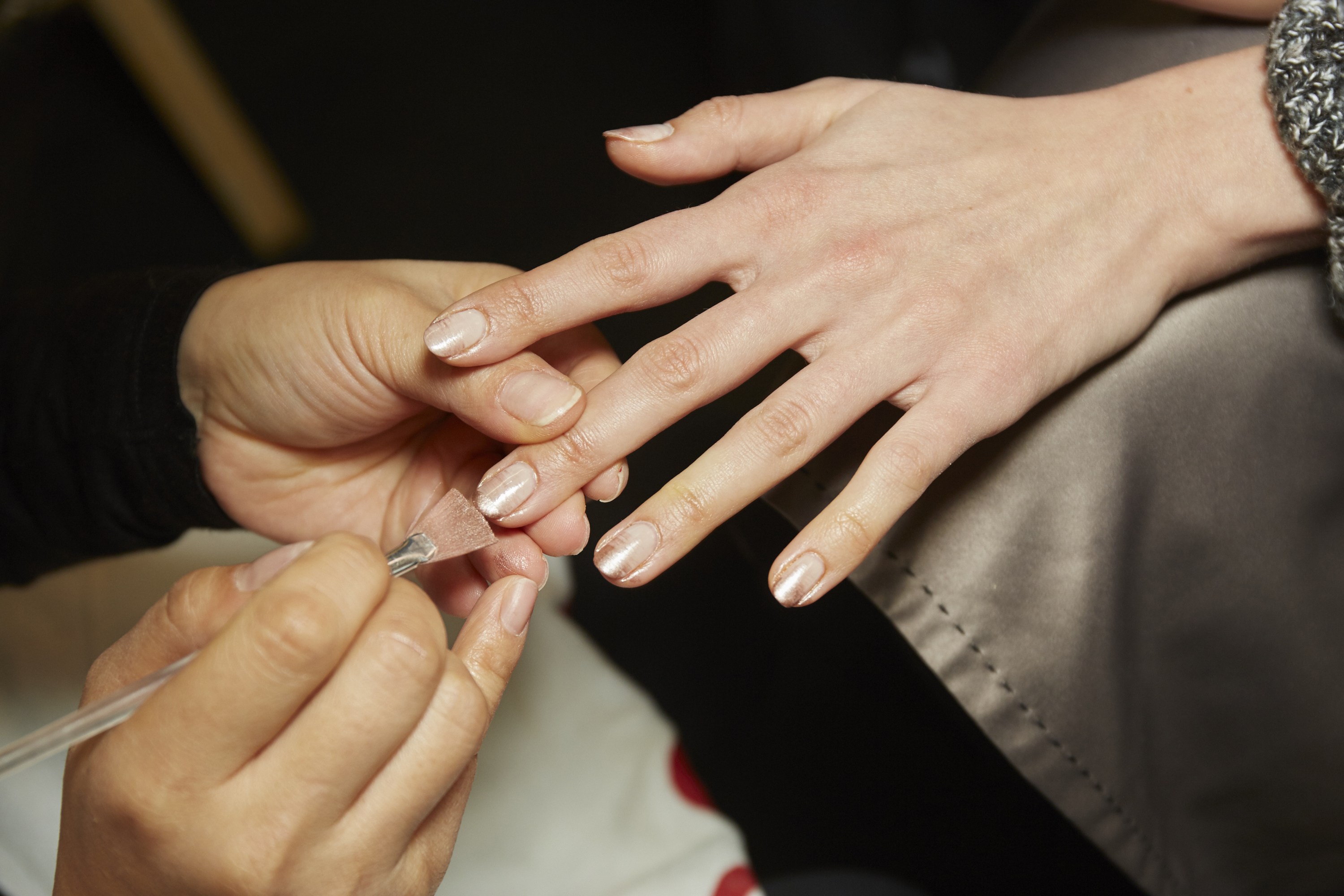 how to get the fall runways nails