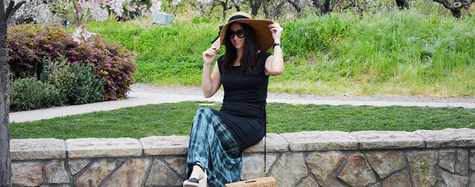 how to style a maxi dress on vacation