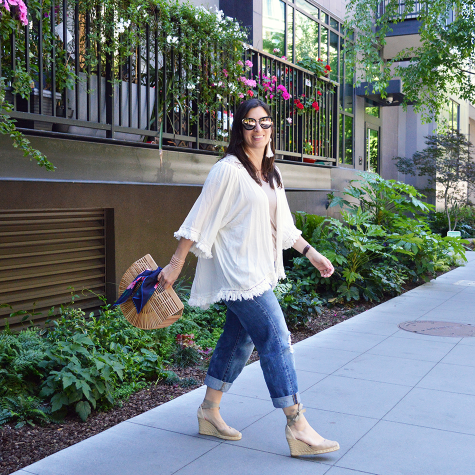 how to elevate jeans and a tee shirt